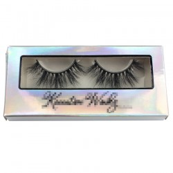 paper eyelash packing in holographic with black trim CPB17
