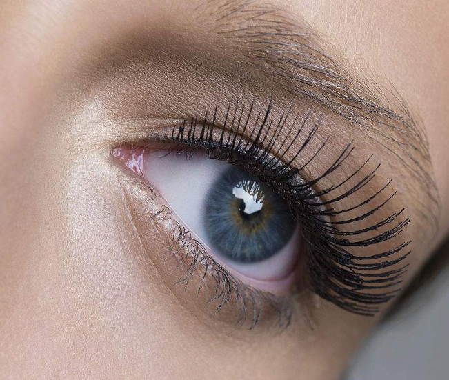Eyelash Extensions And The Pros Of Using Them