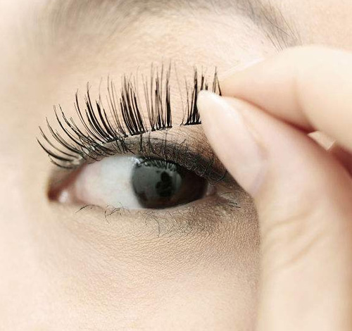 Useful Tips For Applying Mink Eyelashes
